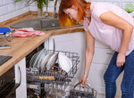 Ha ezt csinálod a mosogatógép indítása előtt, rengeteg pénzt pazarolsz el
