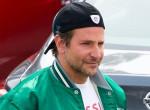 Durva komplexusban szenved: Ezért nem lép utcára sapka nélkül Bradley Cooper