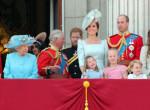 Így ment a karácsonyi misére a brit királyi család