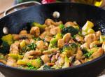 Rém egyszerű tejfölös-brokkolis csirkemell – A tökéletes vasárnapi ebéd
