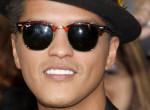 Bruno Marsra rá sem ismerni, hatalmas pocakot növesztett