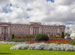 80 évvel ezelőtt bombázták le a Buckingham-palotát - Ez történt II. Erzsébettel