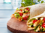 Egy isteni tex-mex étel, házilag: Krémes kaliforniai burrito csirkemellel