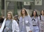 Tarolt Karl Lagerfeld utódja: Ilyen volt az első, megújult Chanel divatbemutató