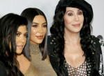 Így dolgoz fel Cher egy ikonikus diszkóslágert