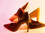 Bye-bye magassarkú: Ezeket a cipőket fogjuk viselni idén