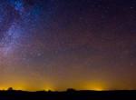 Vakító tűzgömb tűnt fel az égen: olyan fényesen ragyogott, mint a telihold - Videó