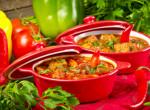 Csirkegulyás: Egy forró, laktató leves a hétköznapokban is