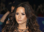 Demi Lovato máris visszatért: valósággal tündökölt dögös szerelésében