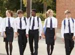 Kötelező iskolai egyenruhák a világ országaiban: Neked melyik a kedvenced?