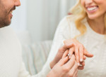 Romantikus vagy manipulatív? Így kérte meg barátnője kezét a srác