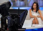 A nő otthonról élőzött a tévében - kihagyott a nézők szívverése, mikor mögé pillantottak
