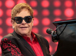 Hosszú évek után megtörte a csendet: Elton John a feleségéről vallott