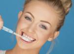Teljesen tönkreteszed vele a fogaid: A legnagyobb hiba fogmosás közben