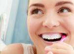 Egyszer és mindenkorra: Ennyi idő után kell kidobnod a fogkefédet