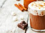 Ilyen isteni forró csoki csak otthon készülhet: Mutatjuk a receptet!
