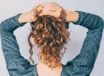 """Vonzó haj a sietős reggelekre: Így készítsd el a """"lusták"""" frizuráját"""