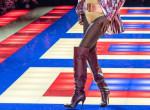70 éves exmodell a párizsi divathét legnagyobb sztárja - Fotók