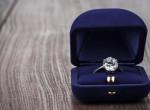 Posztolta az eljegyzési gyűrűjét a menyasszony, most mindenki rajta nevet