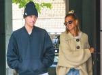Bieber felesége ezt is bevállalta: Hailey melltartó nélkül lépett utcára