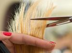 Így vágd le magadnak a hajadat otthon
