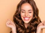 Így tudod letesztelni, hogy mennyire egészséges a hajad - Csak egy pohár víz kell