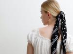 Nem mersz fejkendőt hordani? 5 tipp, hogyan viselheted szexin