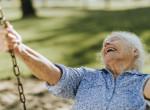 Bizarr hobbijával döntött világrekordot a 90 éves néni - Videó