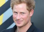Harry herceg ezt is megteheti a párjával nyilvánosan, Vilmoséknak tilos