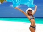 Várnak a bikinik! 4 egyszerű trükk a lapos hasért, edzés nélkül