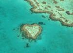 Földünk szív alakú természeti csodái – te melyiket néznéd meg közelről?