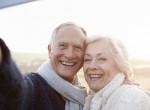 Gyönyörű jegyesfotók idős párokról - A művész igazán egyedit alkotott