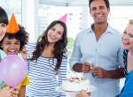 Egy torta miatt fenyegette meg a nőt a kollégája
