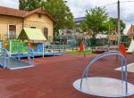 Újabb játszótér épült fogyatékos és egészséges gyerekek számára Miskolcon