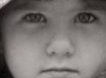 Felismered a magyarok egyik kedvenc színésznőjét gyerekkori fotóján?