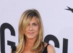 Bevállalta - Felső nélkül pózol Jennifer Aniston