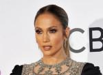 Leesik az állunk - falatnyi bikiniben ünnepel a 49 éves Jennifer Lopez