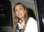 Jessica Alba szenved: bárhogy próbálja, nem tud megszabadulni ettől