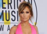 Ez Jennifer Lopez kedvenc manikűrje - akár otthon is elkészítheted