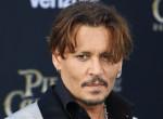 Johnny Depp fia vérbeli macsó, 18 évesen francia modell barátnője van - Fotók