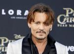 Mi történt? Johnny Depp nem foglalkozik beteg kisfiával