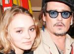 Johnny Depp lánya levetkőzött az orosz Vogue-nak -fotó!