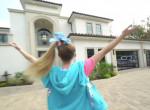 Egymilliárdért vett házat a 16 éves youtuber lány! Megmutatta - Fotók