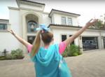 Egymilliárdért vett házat a 16 éves youtuber-lány! Megmutatta - Fotók