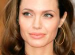 Ezt a trükköt alkalmazza Angelina Jolie, hogy tökéletes legyen a külseje