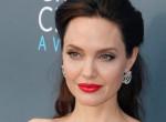 Operáción esett át Angelina Jolie