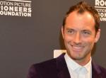 Jude Law lepukkant, toprongyos hajléktalanként lépett az utcára - Fotók