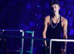 Justin Bieber épp barátnőjével autózott, amikor szerencsétlenség érte