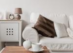 10 perces trükk: Így tisztítsd ki a kanapét, hogy ne tegyél benne kárt