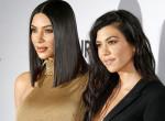 140 ezres cipőben, hajhosszabbítással vitte suliba lányát Kardashian!